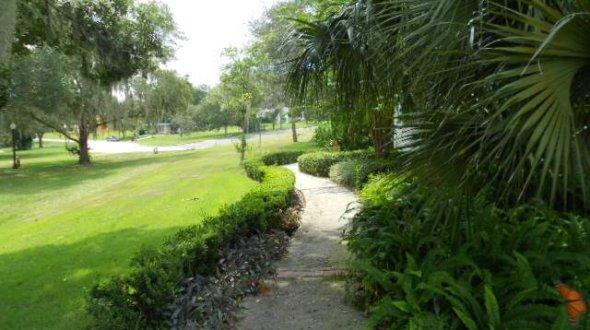 Garden Club 012